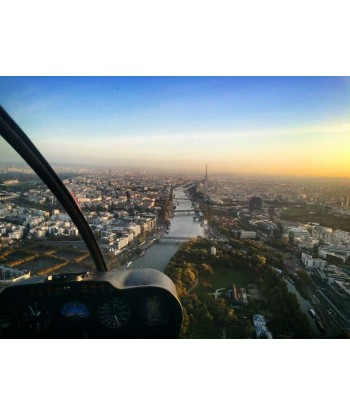 Initiation flight 45 min from Toussus on Robinson R44