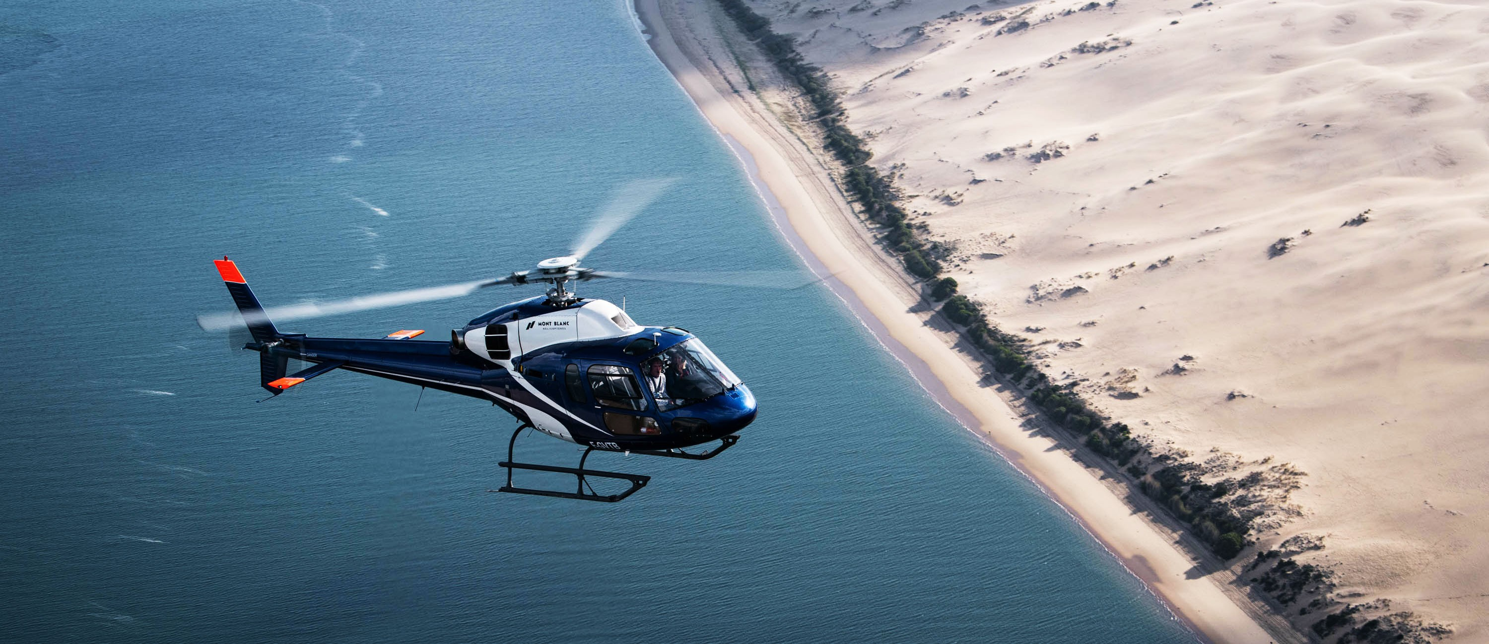 LIVE A UNIQUE EXPERIENCE FROM THE AIR!